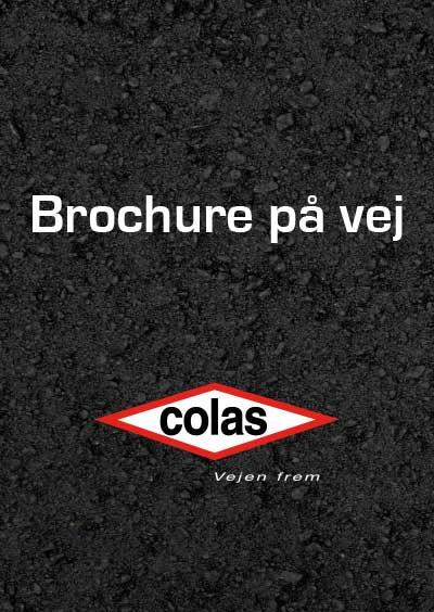 Colas-brochure-paa-vej