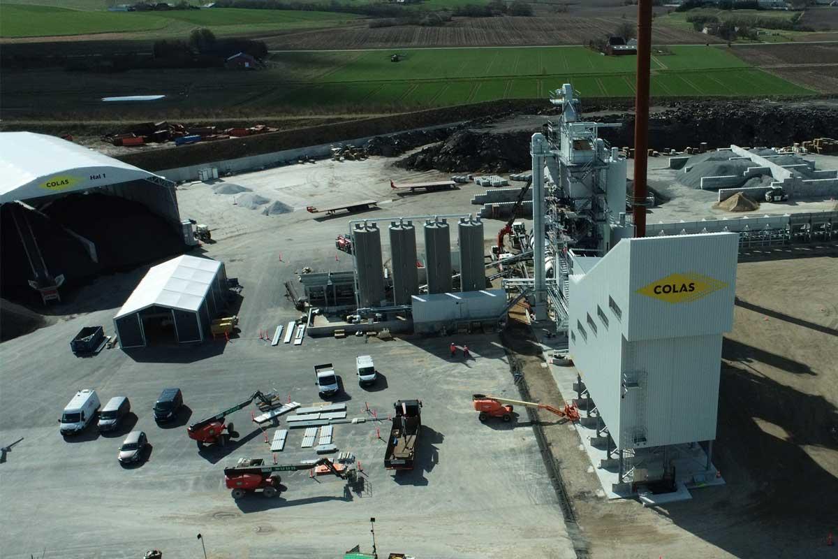 Colas-nye-asfaltfabrik-i-Horsens_fabrik-luftfoto_foto-Jan-Østergaard-1200×800-px